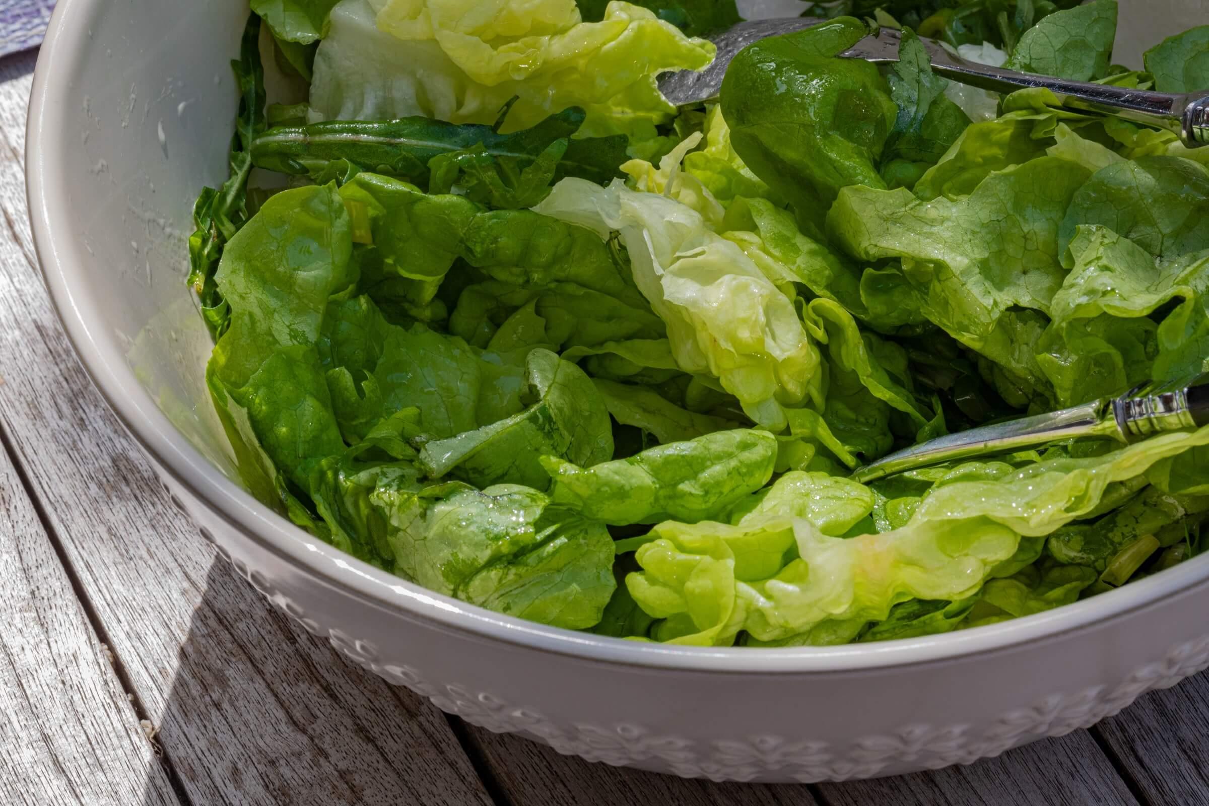 Lettuce leaves in a bowl